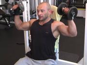 Trening barków - jakie ćwiczenia na mięśnie naramienne